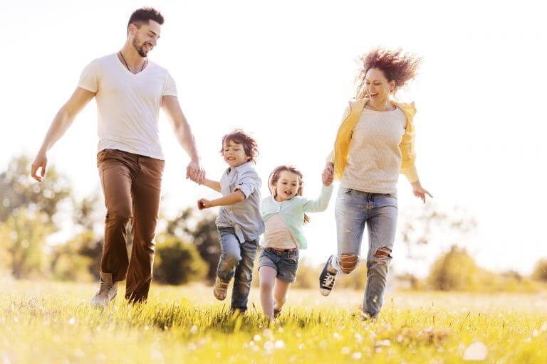 Family-Moto-CMS-HTML-Themes0-768x512