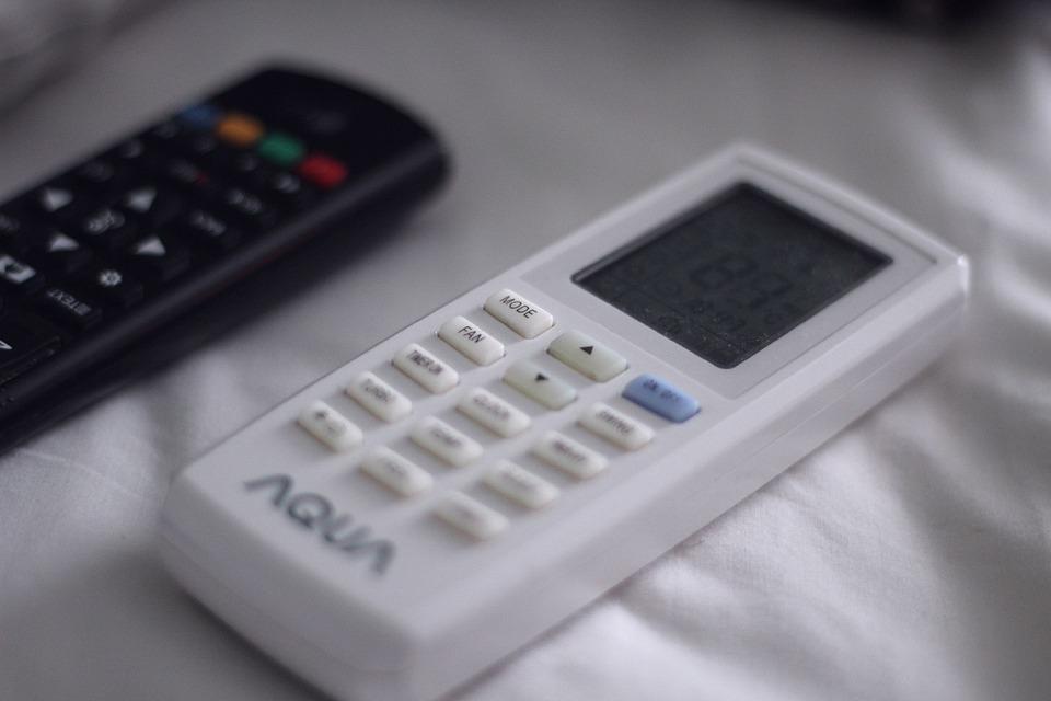 remote-control-4806496_960_720